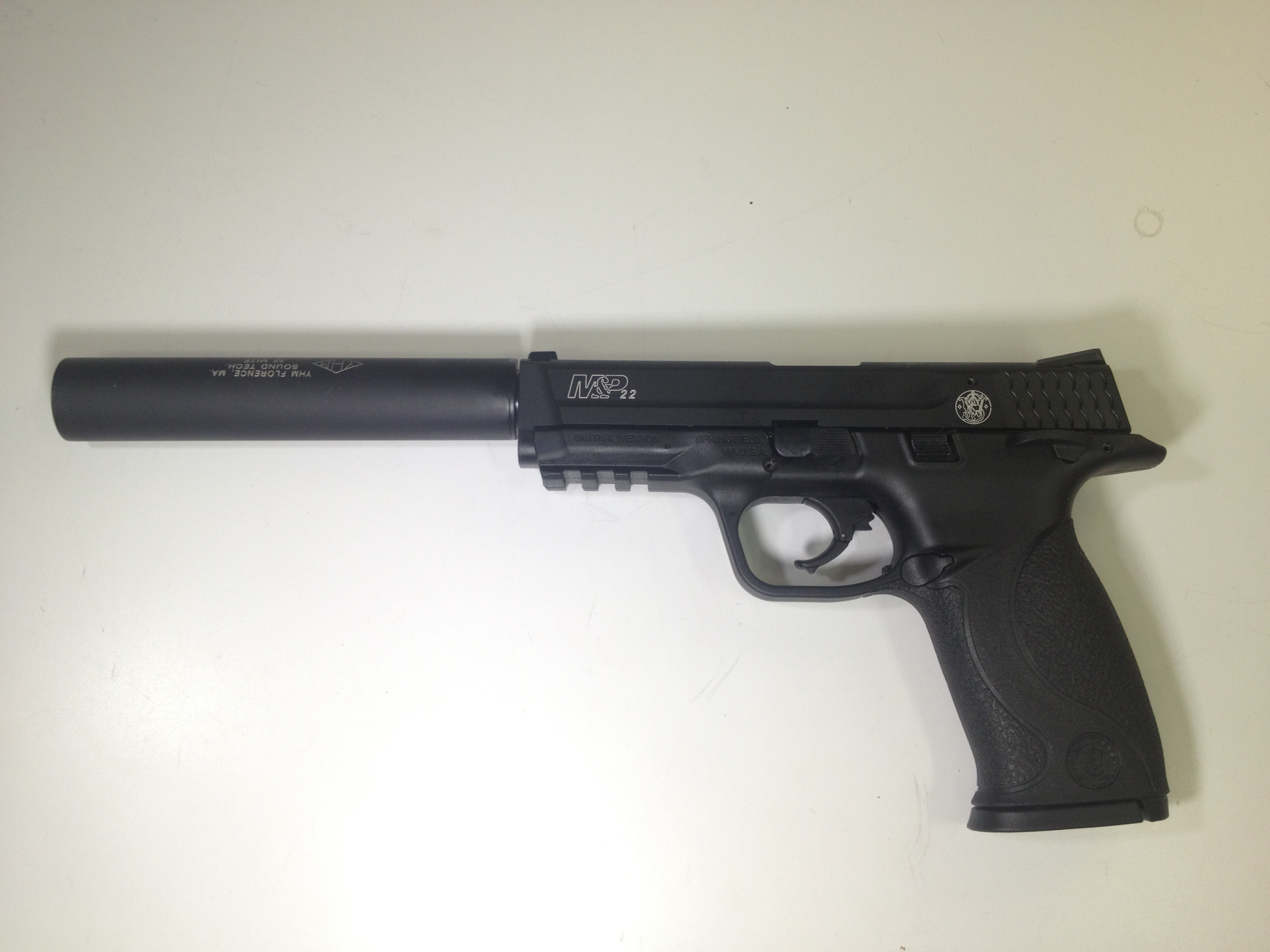 22 Pistol Silencer http://www.ak47.net/forums/t_6_20/382072_MandP_22_suppressor_adaptor_.html&page=1&anc=bottom